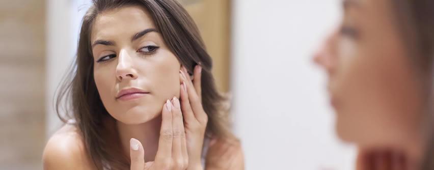 Cómo realizarse un autoexamen de la piel