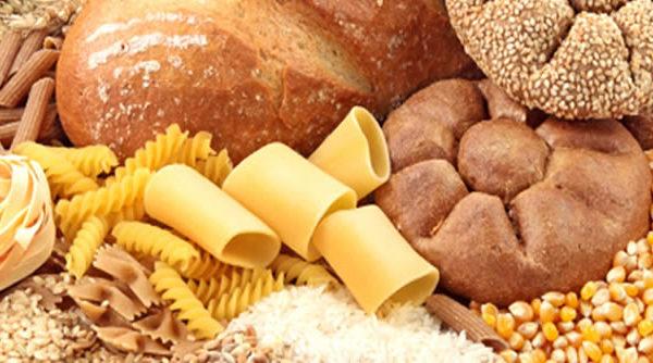 """Nueva investigación: """"Pan, arroz, pasta y papas no deben estar en la pirámide alimentaria"""""""