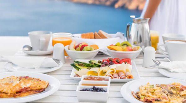 La dieta mediterránea desaconseja comer en exceso